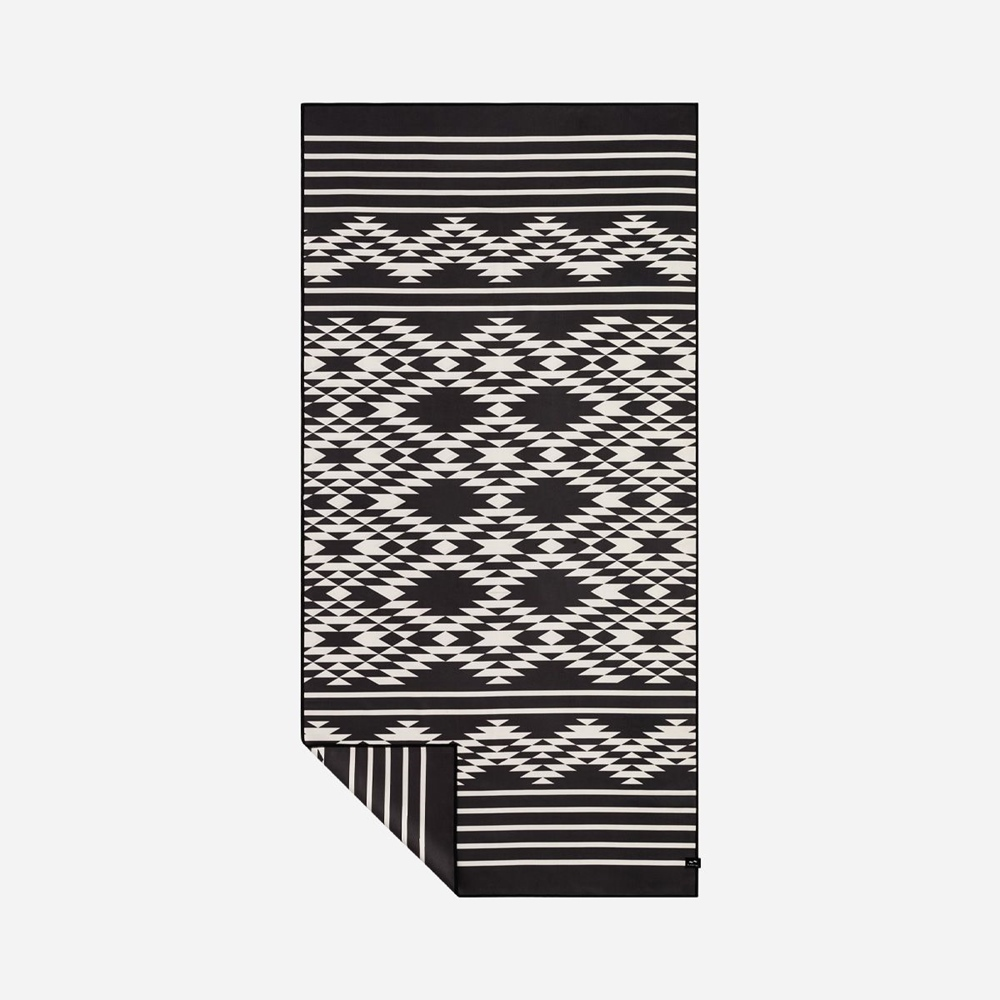 Slowtide Badlands Travel Towel 157cm x 86cm - black Größe: 157 x 86 Farbe: black